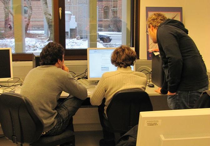 Gruppenarbeit am PC