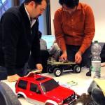 Arbeiten am Modellauto